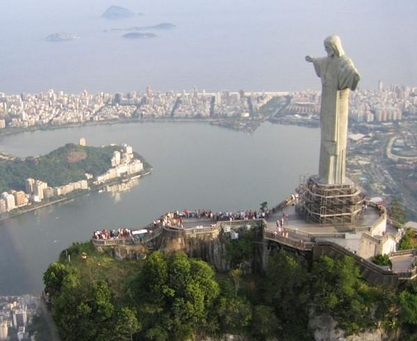 Erlöserstatue Christo Redentor In Rio